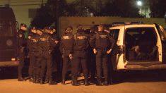Guardias civiles a la búsqueda del asesino de dos agentes en Teruel. (Foto: EFE)