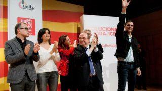 El secretario general del PSOE, Pedro Sánchez, y el candidato del PSC a la presidencia de la Generalitat, Miquel Iceta, han participado en un mitin en Girona, este último fin de semana antes de las elecciones catalanas del 21 de diciembre. Foto: EFE