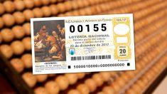 Un décimo de la Lotería de Navidad con el número 00155.