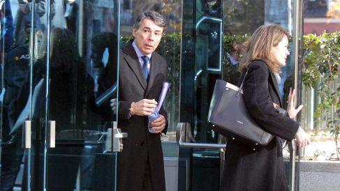 Ignacio González, tras declarar como testigo en la Audiencia Nacional. (Foto: Francisco Toledo)