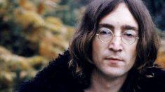 John Lennon saltó a la fama como uno de los miembros fundadores de The Beatles.