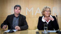 Jorge García Castaño y Manuela Carmena. (Foto: EFE)