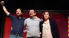 Pablo Iglesias, Xavier Domènech y Ada Colau (Foto: EFE)