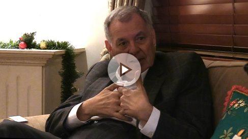 Alejandro Ordóñez, ex procurador general de la República de Colombia, atiende a OKDIARIO y Zeta en su domicilio de Bogotá. (Foto y vídeo: E. Falcón)