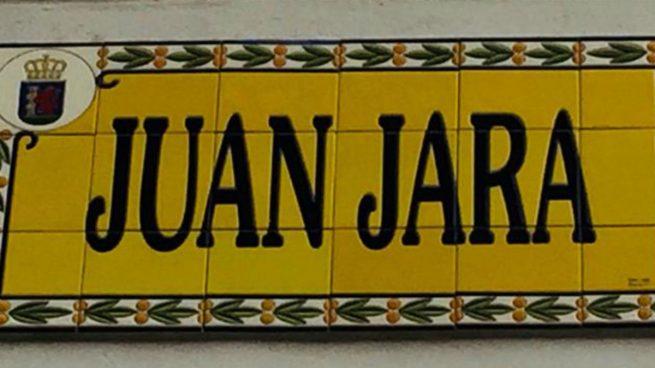 Placa de la calle Juan Jara, que será eliminada en Badajoz por la Ley de Memoria Histórica