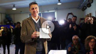 Xavier García Albiol deposita su voto en elecciones de Cataluña.