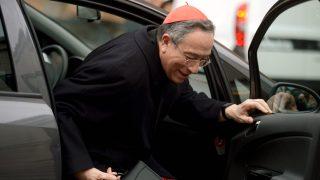 El cardenal Maradiaga a su llegada a Roma para la elección del Papa Francisco en 2013. (AFP)