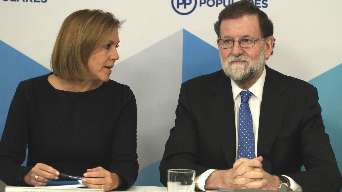 El presidente del PP, Mariano Rajoy, y la secretaria general, María Dolores de Cospedal, durante la reunión del Comité Ejecutivo Nacional del PP. (EFE)