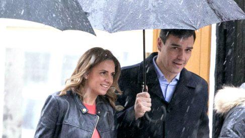 La diputada socialista Susana Sumelzo junto al secretario general del PSOE, Pedro Sánchez.
