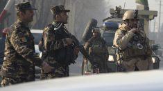 Fuerzas afganas tras un atentado en Kabul. (Foto: AFP)