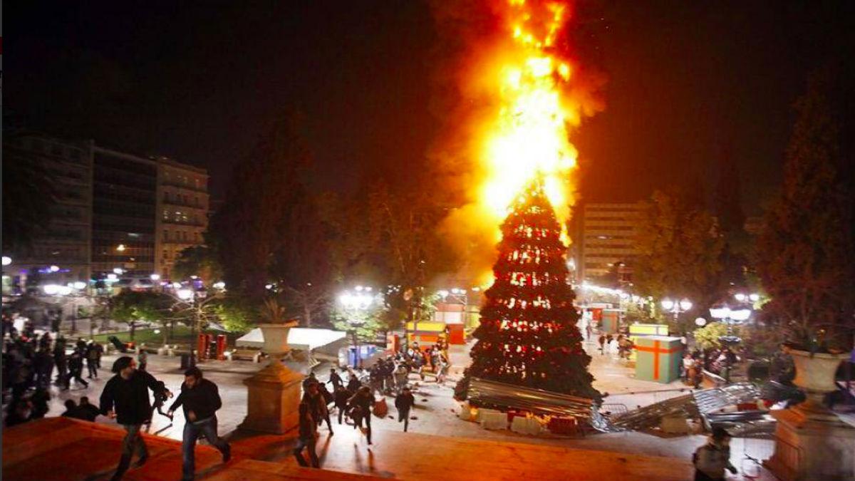 Imagen de IU para felicitar la Navidad. Foto: Twitter.