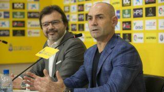 Paco Jémez, en la rueda de prensa de presentación como nuevo entrenador de Las Palmas. (UD Las Palmas)