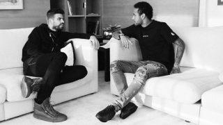 Piqué y Neymar, en un momento de la entrevista. (The Players Tribune)