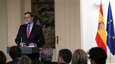 El presidente del Gobierno, Mariano Rajoy, durante la rueda de prensa posterior a la reunión del Consejo de Ministros en la que ha hecho balance político y económico (Foto:Efe)
