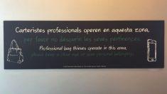 Cartel de Starbucks en Cataluña