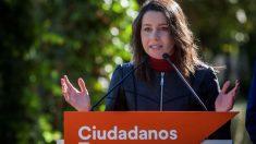 Inés Arrimadas en una reciente rueda de prensa (Foto: Efe).
