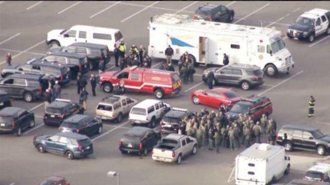 Un individuo mata a un policía y hiere a otros cuatro antes de ser abatido en Denver Colorado, EEUU