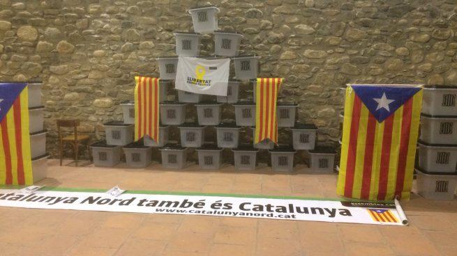 El fetichismo 'indepe' no conoce el ridículo: subastan 200 urnas del 1-O para ayudar a los golpistas