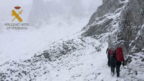 Parte del equipo de rescate en montaña de la Guardia Civil. Foto: Twitter