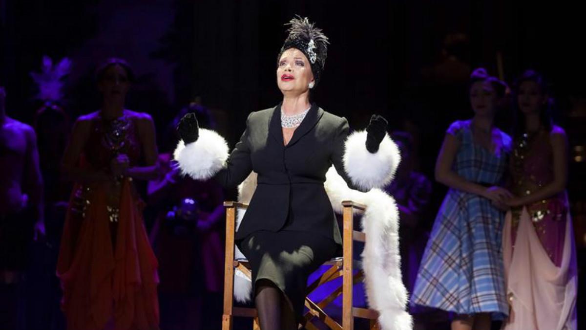 La cantante Paloma San Basilio da voz a Norma Desmond en el musical Sunset Boulevard, que se estrena por primera vez en española bajo la dirección de Jaime Azpilicueta en Santa Cruz de Tenerife. Foto: EFE