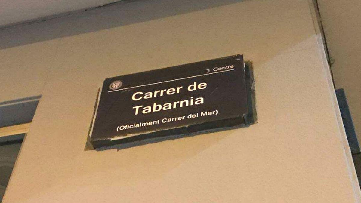 La calle del Mar de Badalona ha sido rebautizada como 'Carrer de Tabarnia'