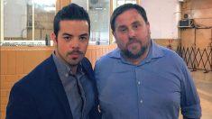 El ex asesor de Gabriel Rufián en Twitter, Bernat Castro, junto al ex vicepresidente del Govern, Oriol Junqueras