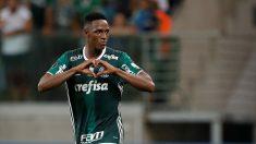 Yerry Mina, celebra un tanto con el Palmeiras (Getty)