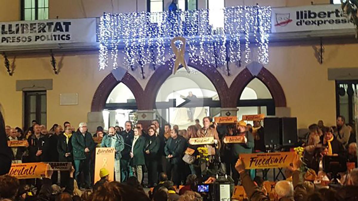 Homenaje a Junqueras y el resto de políticos presos en Sant Vicenç dels Horts (Barcelona).