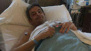 Luis Moya tras la operación. (Twitter)