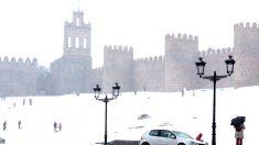 Ávila tras una intensa nevada. (Foto: EFE)