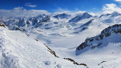 El glaciar alpino es el glaciar tipo, ya que en él se pueden distinguir todas sus partes: circo glaciar, lengua glaciar y zona de ablación