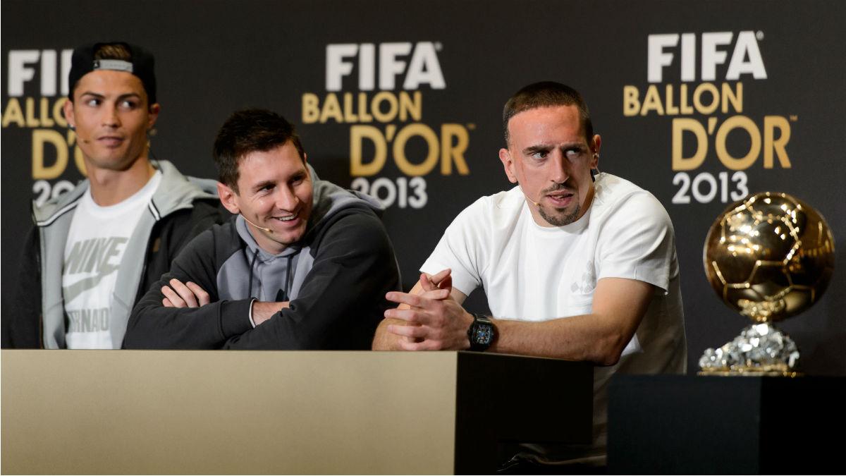 Ribéry, junto a Messi y Cristiano en el Balón de Oro de 2013. (AFP)