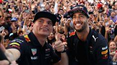 Max Verstappen ha expresado su deseo de seguir contando con Daniel Ricciardo como compañero de equipo más allá de la temporada 2018, cuando acaba el contrato del australiano con Red Bull. (Getty)
