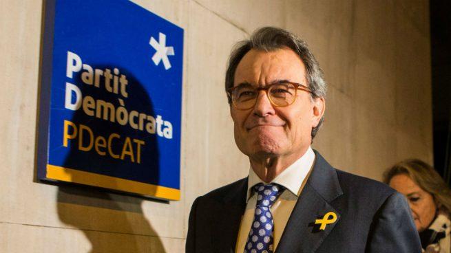 Mas abandona tras hundir a su partido, a Cataluña y sin cumplir su sueño de presidir la 'república'