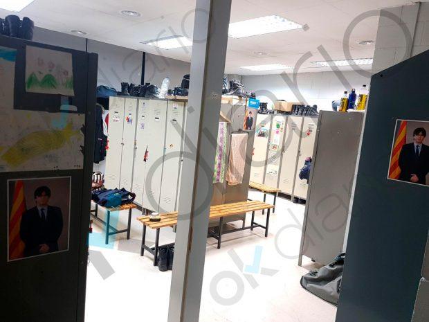 Mossos de una comisaría de Gerona empapelan su vestuario con fotos de Puigdemont