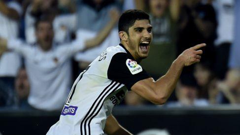Gonzalo Guedes celebra un gol (AFP).