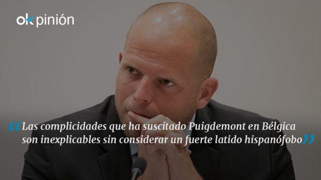 El disparate migratorio de Theo Francken, el amigo belga de Puigdemont