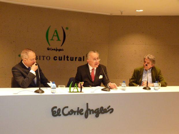 Carmona presenta el libro del padre de Villacís y explica: