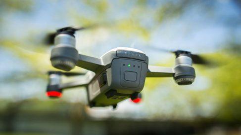 La DGT planea la adquisición de una flota de drones con la que poner multas a los conductores que se salten la ley.