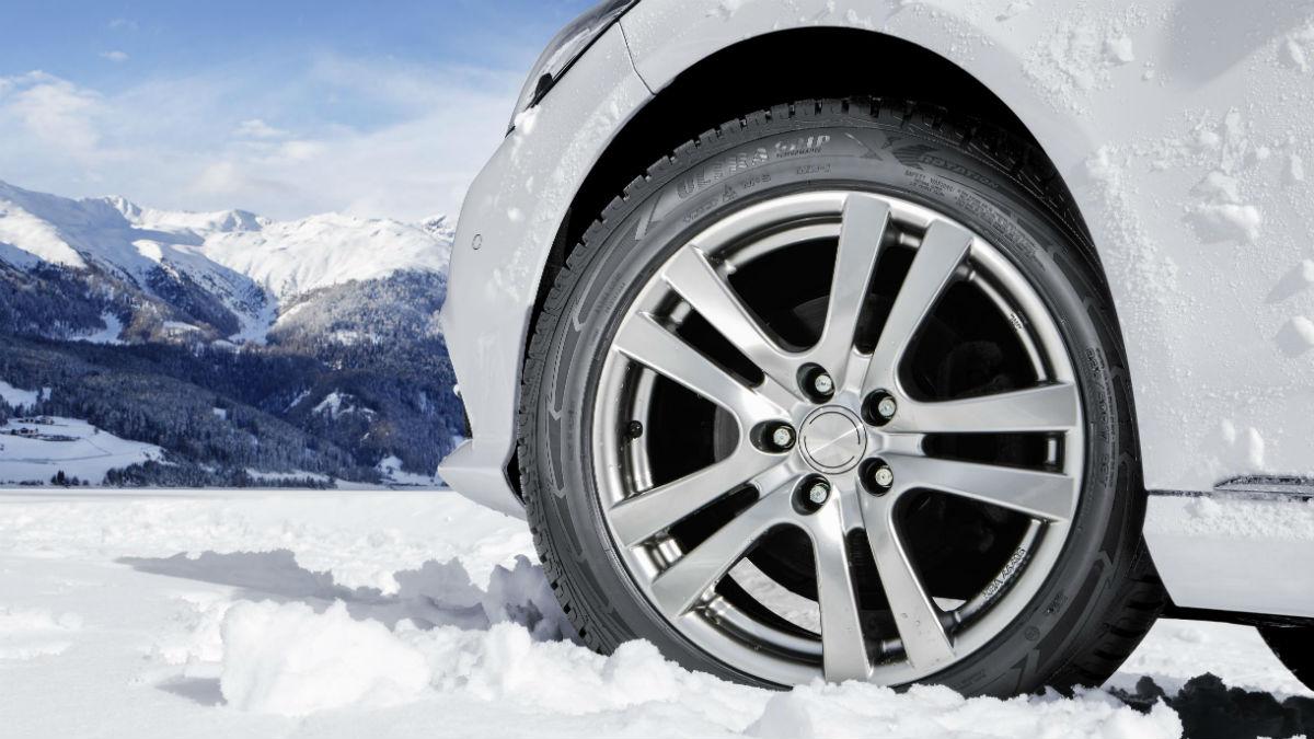 Equipar neumáticos de invierno debería ser algo obligatorio cuando las temperaturas bajan de los 7ºC, debido a todo lo que aportan en términos de seguridad.