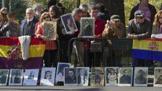 Banderas republicanas en favor de la ley de Memoria Democrática de Andalucía.