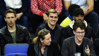 Antoine Griezmann, estuvo en Londres viendo un partido organizado por la NBA (Getty)
