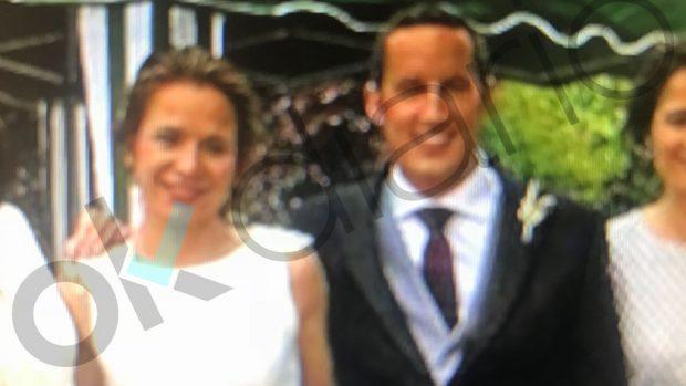 El chiringuito extremeño del PSOE: otro cargo clave de Sánchez enchufó a su marido a los 3 meses de casarse