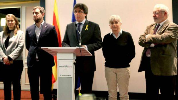 El exconseller Puig junto a Puigdemont y el resto de fugitivos en Bruselas
