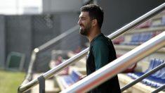 Arda Turan durante un entrenamiento con el Barcelona. (AFP)