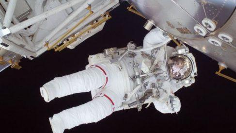 Aunque son varios los astronautas que han realizado misiones espaciales, necesitan prepararse muy bien para ello.