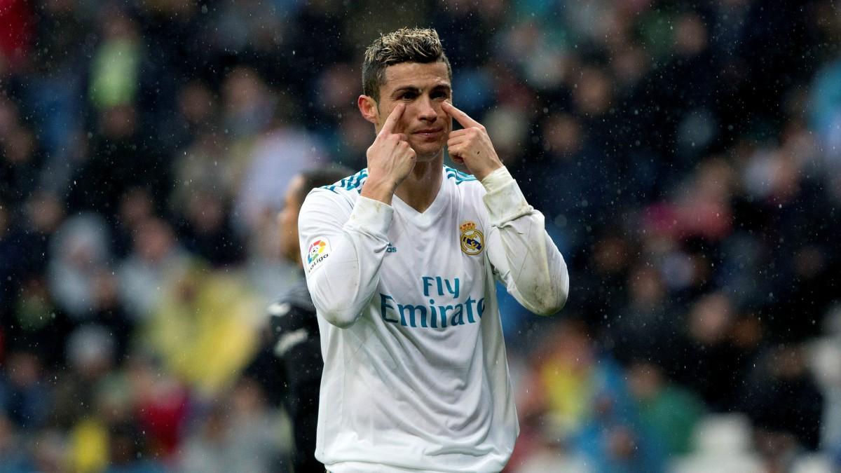 Cristiano Ronaldo protesta en el Real Madrid vs Villarreal. (EFE)