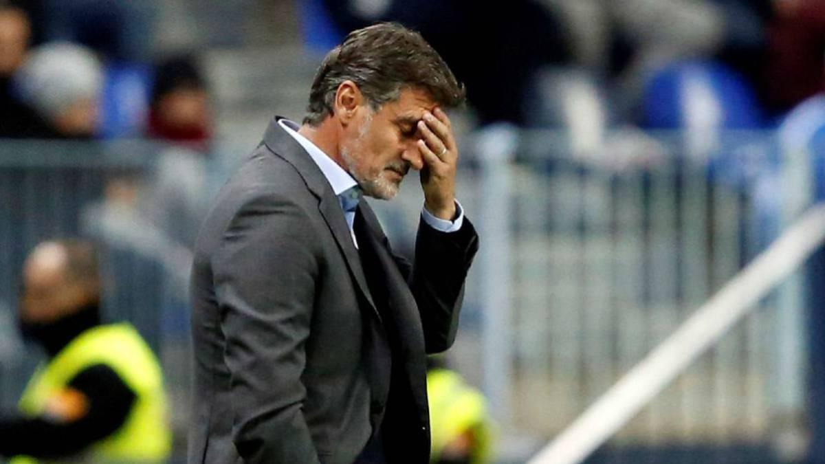 Míchel se lamenta en uno de sus últimos partidos al frente del Málaga.