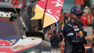 Carlos Sainz durante el Dakar. (AFP)