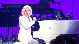 Lady Gaga en un reciente concierto (Foto: AFP).